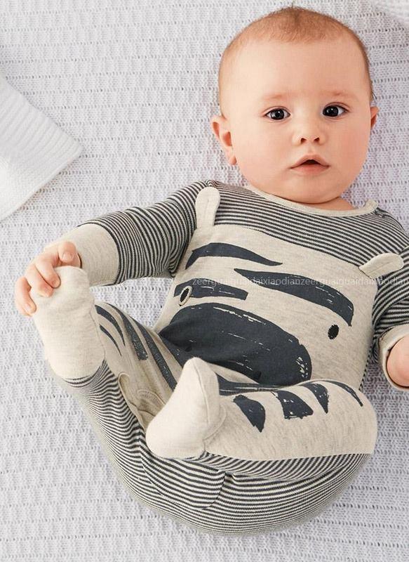 ثياب لاطفال بيبي صغار